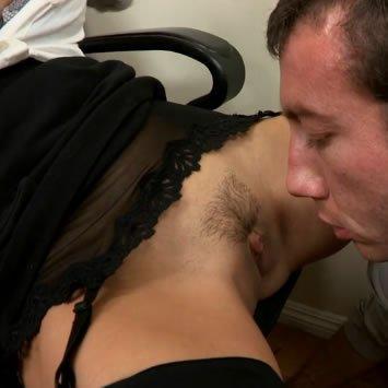 Latin HD pornó – a szexre éhes főnök
