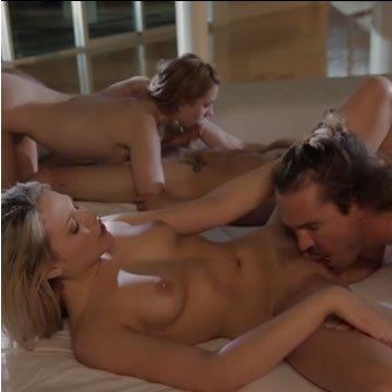 Fiatal párok négyesben szexelnek